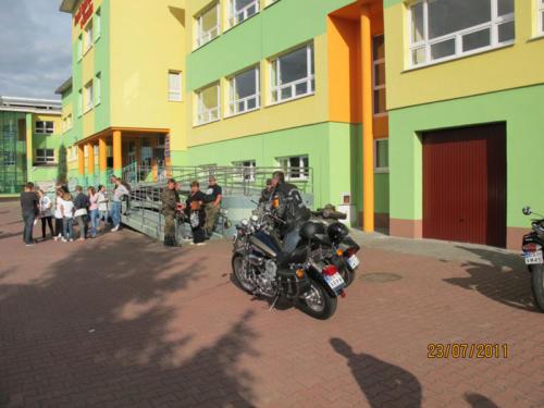 """""""Moto Azyl"""" zlot klasycznych samochodów 2011"""